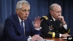 미국의 척 헤이글 국방장관(왼쪽)과 마틴 뎀프시 합참의장이 19일 국방부에서 기자회견을 가졌다.