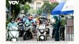 Ảnh tư liệu - Hà Nội/COVID-19 - Một chốt kiểm soát bị ùn ứ hôm 9/8/2021.A COVID-19 checkpoint in Hanoi on Aug. 9, 2021.