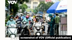 Ảnh tư liệu - Một chốt kiểm soát phòng chống Covid tại Hà Nội 9/8/2021