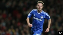 Juan Mata pindah ke Manchester United dari Chelsea dengan rekor uang transfer 61 juta dolar (foto: dok).