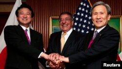 지난 2012년 6월 싱가포르에서 열린 미-한-일 국방장관 회담. (자료사진)