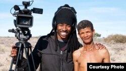 Kubikwa kwebhaisikopo 'Lost Tongue'