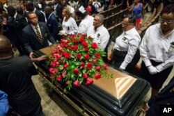 8月25号 麦克•布朗的葬礼在弗格森举行