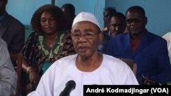 Mahamat Ahmat Al-Habo, coordinateur de Front de l'opposition nouvelle pour l'alternance et le changement (Fonac) lors d'une conférence de presse à N'Djamena, 31 mars 2018. (VOA/ André Kodmadjingar)