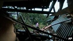 Nhà cửa bị hư hại sau các vụ lở đất tại thị trấn Badulla, khoảng 220 km (140 dặm) về phía đông Colombo, ngày 29/10/2014.