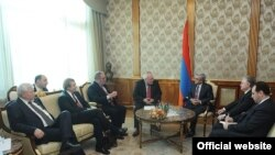 ԵԱՀԿ-ի Մինսկի խմբի համանախագահները՝ Հայաստանի նախագահի հետ հանդիպման ընթացքում, Երևան, 5 նոյեմբերի 2013թ.