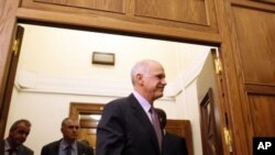 Papandreu pristao odstupiti s položaja premijera Grčke