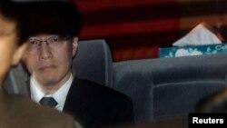 지난 2007년 3월 일본 측 6자회담 대표로 북한 대표와의 회담을 위해 베트남 주재 북한 대사관을 방문한 이하라 준이치 외무성 아시아대양주 국장. (자료사진)