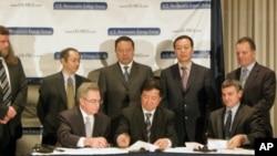 中美双方举行能源合作签字仪式