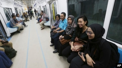 First Subway Opens In Indonesia S Gridlocked Capital