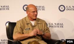 资料照:美国海军作战部长迈克尔·吉尔代上将