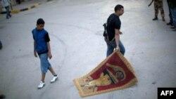 Ливия: повстанцы освободили французов