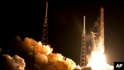 The Falcon 9 SpaceX rocket lifts off from Space Launch Complex 40 at the Cape Canaveral Air Force Station in Cape Canaveral, Fla., Jan. 10, 2015.