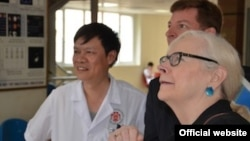 Представитель США в МАГАТЭ Лора Кеннеди (справа). Photo from vienna.usmission.gov