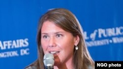 جینیفرلالیس په ۲۰۰۶ کې د کانګرس کاندیده هم وه.
