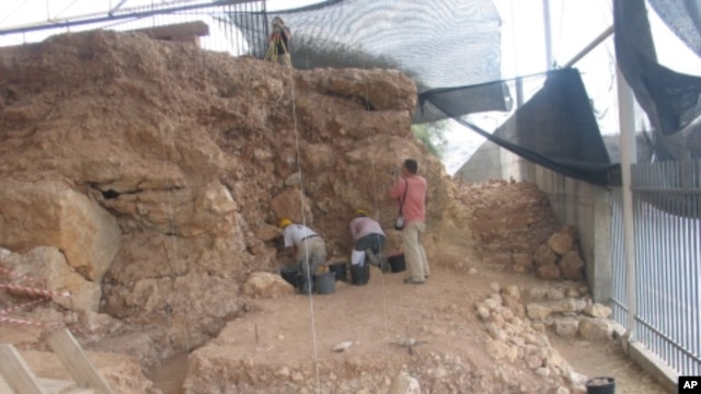 Israeli archeologists are piecing together the history of the people who lived in Qesem Cave between 200,000 and 400,000 years ago.