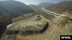 中国国企路桥建筑公司在黑山共和国因污染环境被告(图片来源:RFE/RL/MANS)