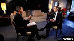 지난 23일,다보스에서 미국 CNN 방송과 회견중인 메드베데프 총리.