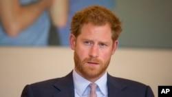 Pangeran Harry dari Inggris mengatakan bahwa ia seharusnya berbicara sejak awal tentang kematian ibunya, Putri Diana.