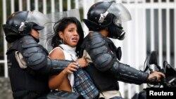 Amnistía Internacional alertó por el poco avance en los casos de asesinatos y torturas por las protestas contra Nicolás Maduro de 2014.