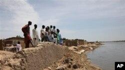 Sedikitnya 18 mayat ditemukan mengambang di Sungai Ezu di negara bagian Anambra akhir Januari, sebagian telah membusuk. Berbagai kelompok di seluruh Nigeria berusaha mencari jawaban terkait pelaku pembunuhan yang meresahkan masyarakat tersebut. (Foto: dok).