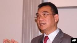 林毅夫在香港科技大學發表演講