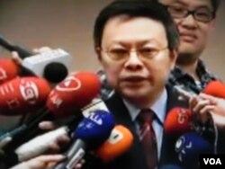 台湾陆委会主委王郁琦严词抨击柯文哲质疑九二共识(美国之音许波拍摄)