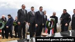 Delegacija Srbije predvođena Aleksandrom Vulinom, ministrom odbrane