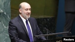 Israeli Ambassador to the United Nations Ron Prosor addresses the U.N. General Assembly in New York, November 29, 2012.