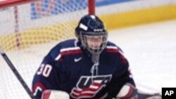 Женската хокеарска репрезентација на САД во потрага по злато