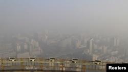 浓重雾霾下的北京(2015年11月29日)