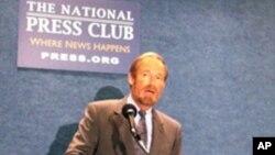 人口研究所所長毛思迪(Steven W. Mosher)在世界70億人口日批評中國一胎政策資料照。