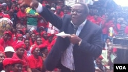 Former Prime Minister Morgan Tsvangirai addressing some supporters Thursday in Harare. (Photo: Thomas Chiripasi)