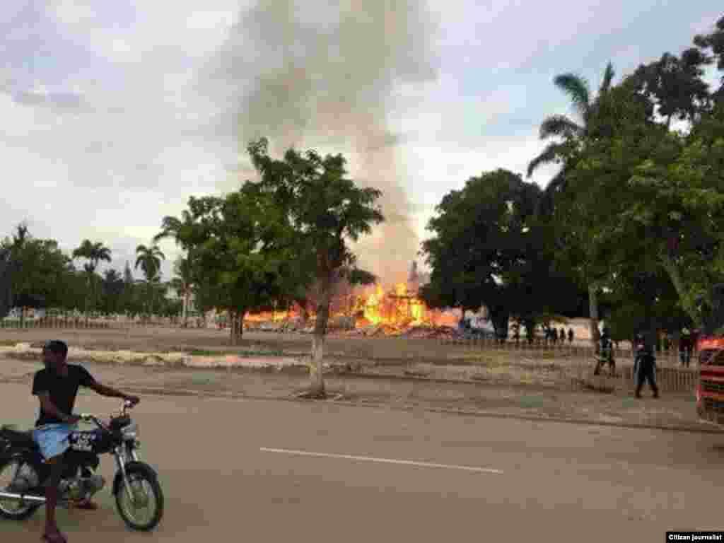 Incêndio destrói edifício da Cultura em Benguela