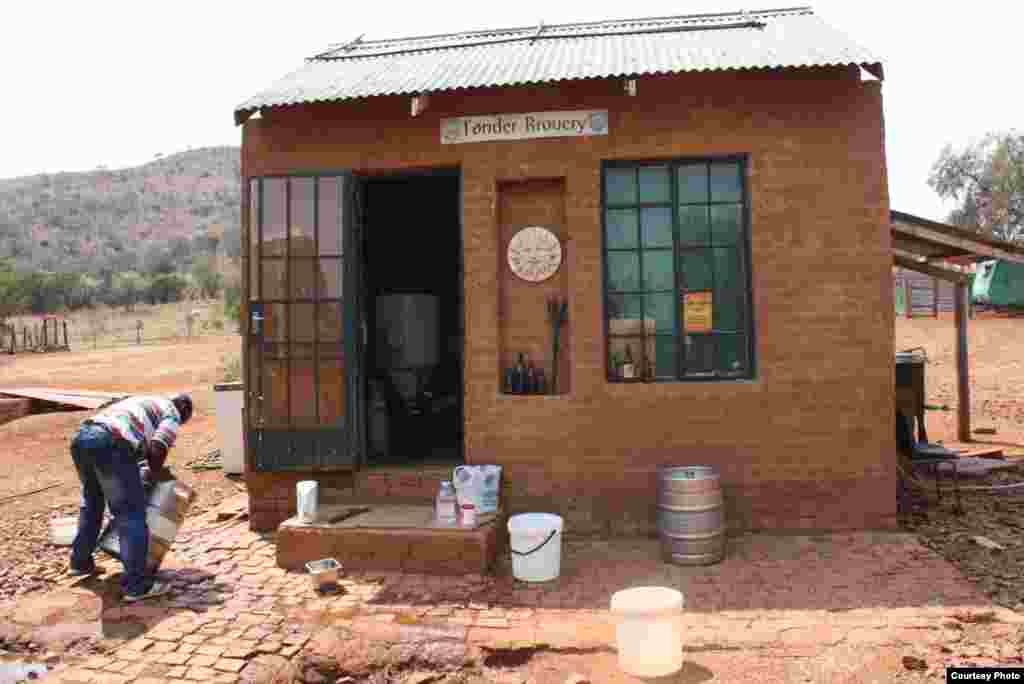 "Dirk van Tonder's simple brewery on his ""beer farm"" in South Africa's Northwest Province. (Photo Credit: Darren Taylor)"