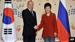 Владимир Путин и Пак Кын Хе