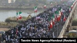 伊朗国家媒体播出支持政府示威的画面