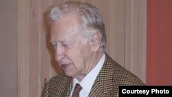 Легендарный шахматист Василий Смыслов. 2002 год