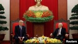 川普与越南共产党总书记阮富仲举行会谈。(2017年11月12日)
