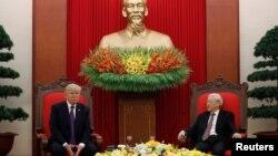 Tổng thống Mỹ Donald Trump hội đàm với Tổng bí thư Nguyễn Phú Trọng ở Hà Nội cuối năm 2017.