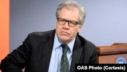El periódico capitalino destaca el papel que ha jugado el secretario general de la OEA, Luis Almagro, en las crisis recientes en el Hemisferio Occidental.