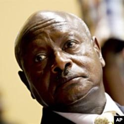 President Yoweri Museveni (Jul 2010 file photo)