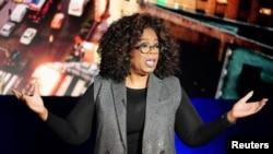 ARCHIVO- Oprah Winfrey durante la grabación de su programa televisivo en Nueva York. 5-2-19. REUTERS/Carlo Allegri.