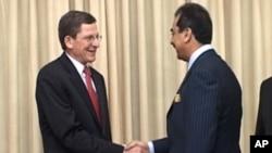 امریکی نمائندہ خصوصی کی وزیراعظم گیلانی سے ملاقات