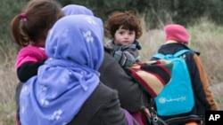 سال گذشته بیش از یک میلیون پناهجو از افریقا و آسیا به کشورهای اروپایی سرازیر شدند.