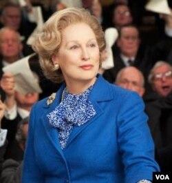 """Meryl Streep berhasil meraih Oscar ketiganya setelah memenangkan penghargaan aktris utama terbaik dalam film """"The Iron Lady"""" yang memerankan mantan PM Inggris, Margaret Thatcher."""