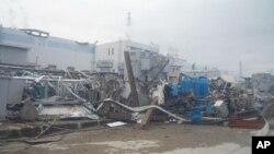 Nhà máy điện hạt nhân Fukushima Daiichi sau thảm họa động đất ở Nhật, 14/4/2011