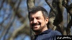 محمود شهریاری بارها در رابطه با وقایع اجتماعی و اقتصادی همچون دختر آبی و کارگران هفت تپه پست های انتقادی نسبت به حکومت منتشر کرده بود.