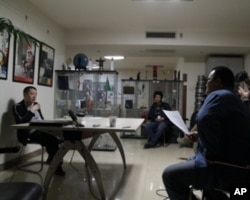导演贾樟轲在接受采访