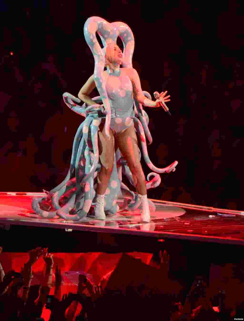 El inusual vestuario de Lady Gaga siempre da que hablar.